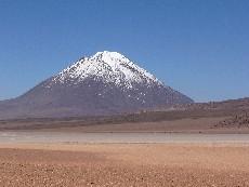 volcan licancabur bolivie